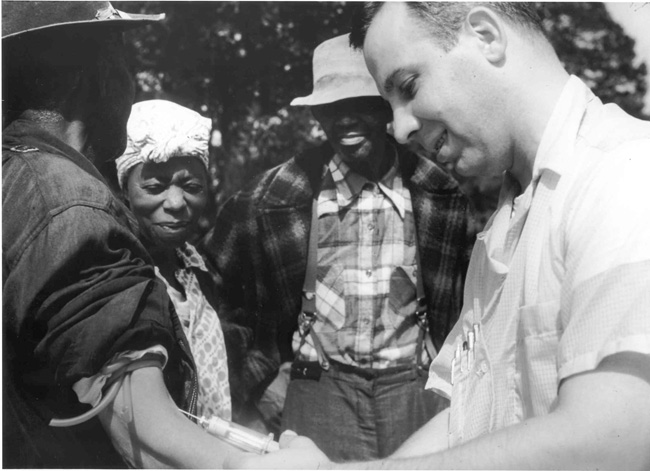 Dr.-Walter-Edmondson-blood-test-Tuskegee-experiment