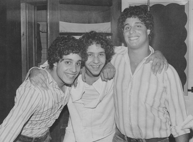 Tres desconocidos idénticos - Three Identical Strangers - trillizos nueva york - Mike Domnitz
